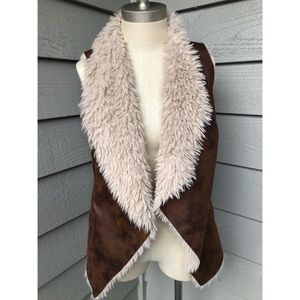 Maurices size small brown faux fur vest